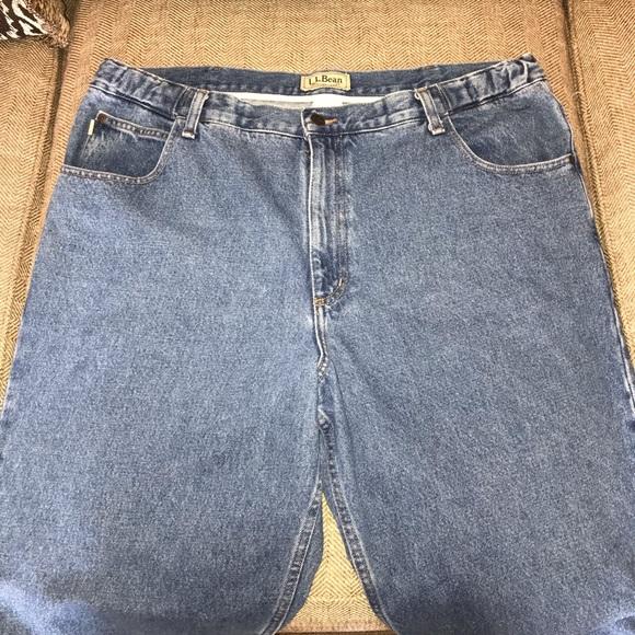L.L. Bean Other - EUC L L Bean Comfort Waist Jeans Size 40.
